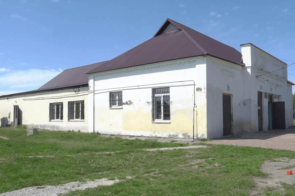 На будинку культури села Розсошенці замінили покрівлю