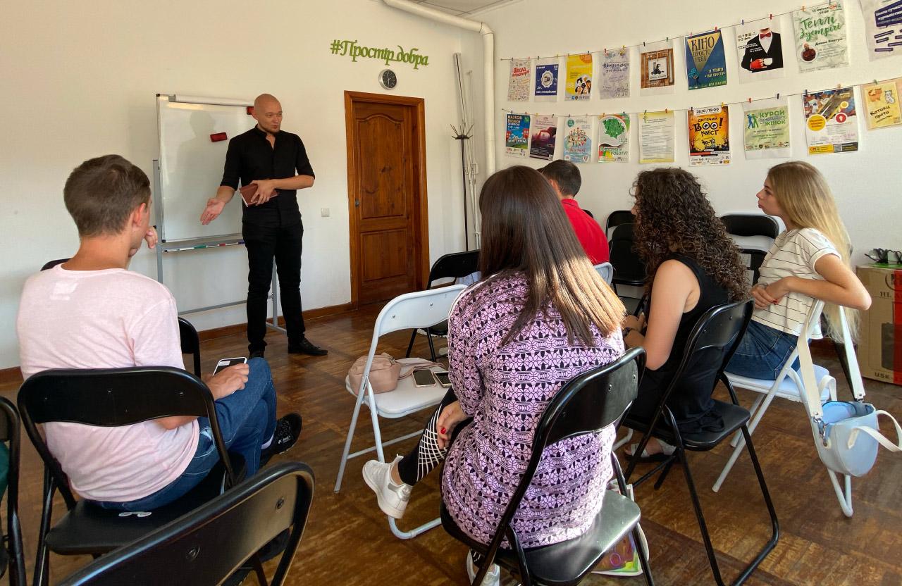Полтавська молодіжна рада провела зустріч з пошуково-рятувальною організацією «Мілена»