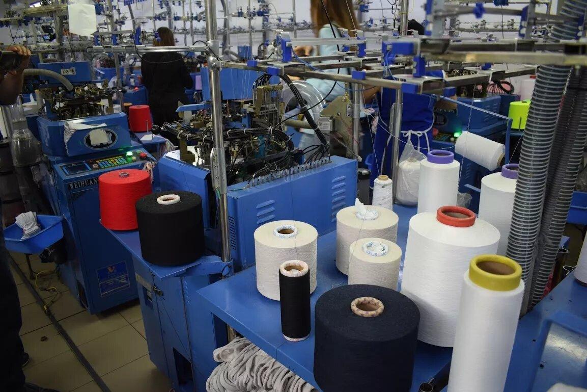 Фабрика працює з новітнім обладнанням