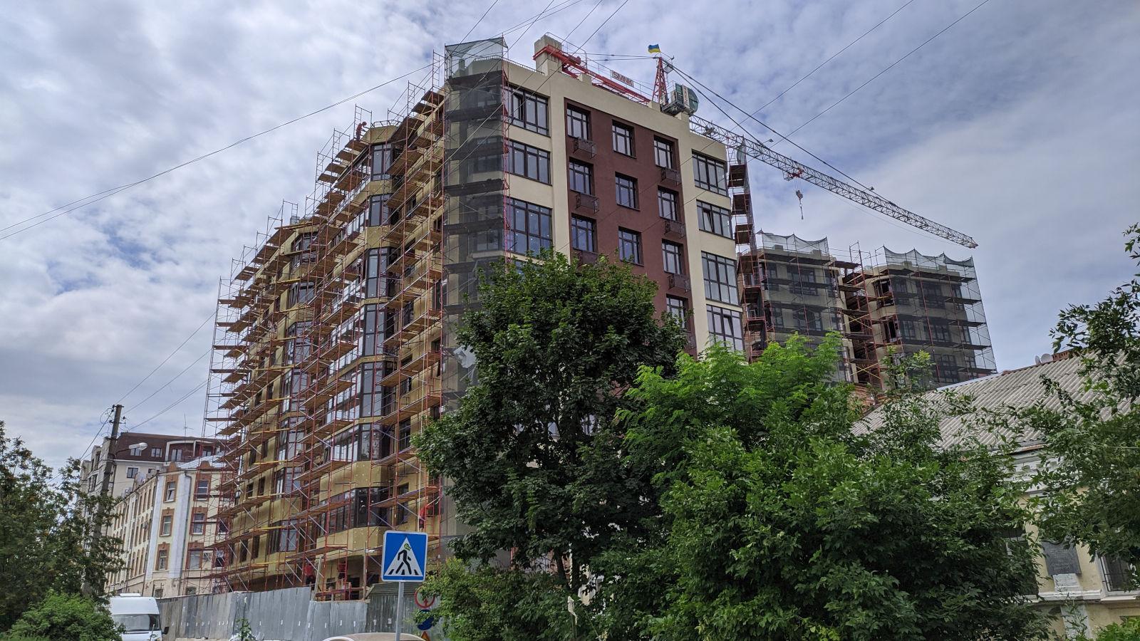 Будівництво на вул. Пилипа Орлика, 26 (липень 2020)