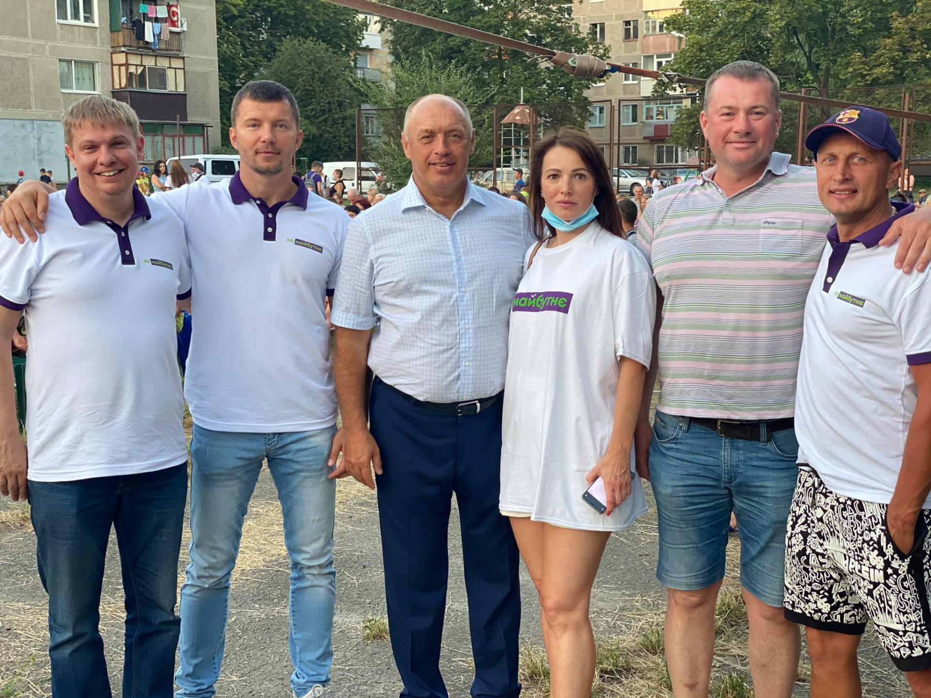 Євген Дикань (ліворуч)