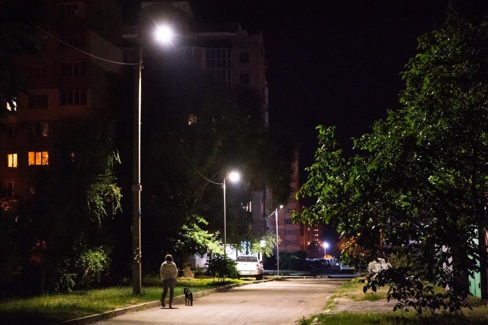 Ще на одну темну вулицю у Полтаві стало менше