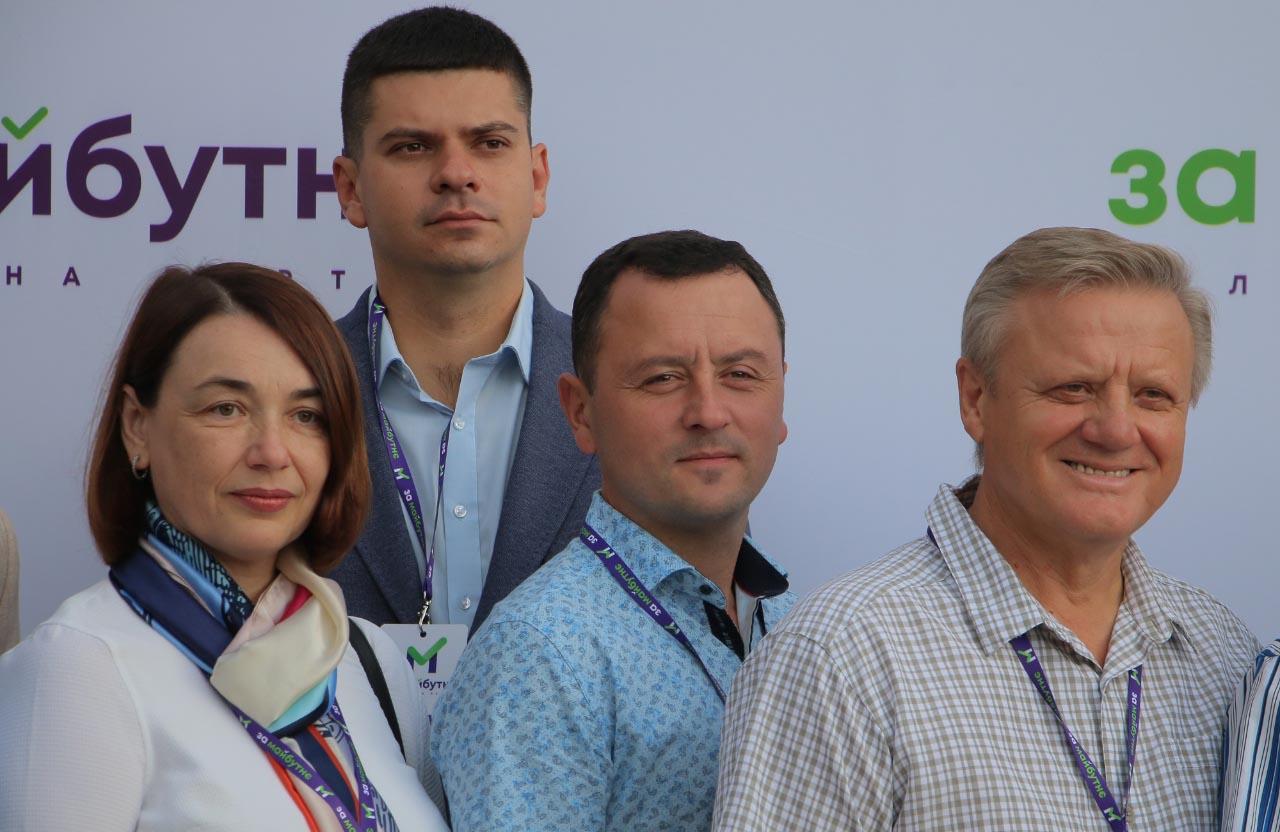Депутат Полтавської облради Віктор Скочко (праворуч)