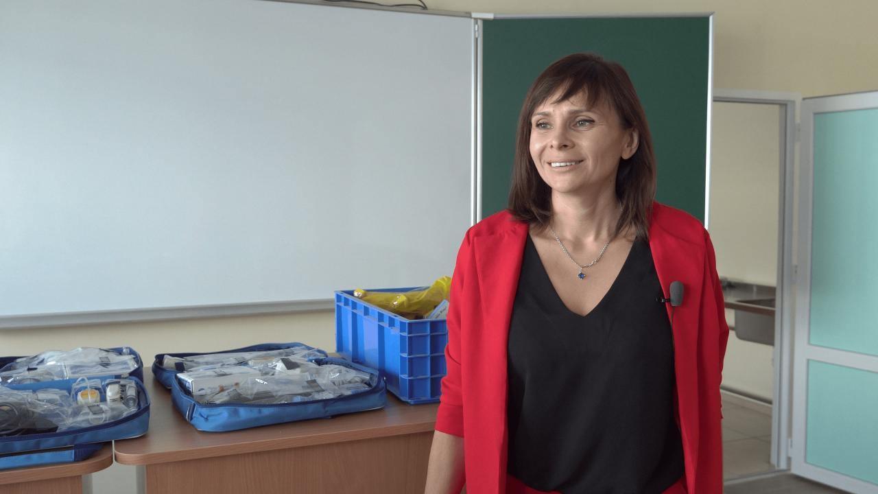 Мати трьох учнів Розсошенської гімназії Наталія Гриценко
