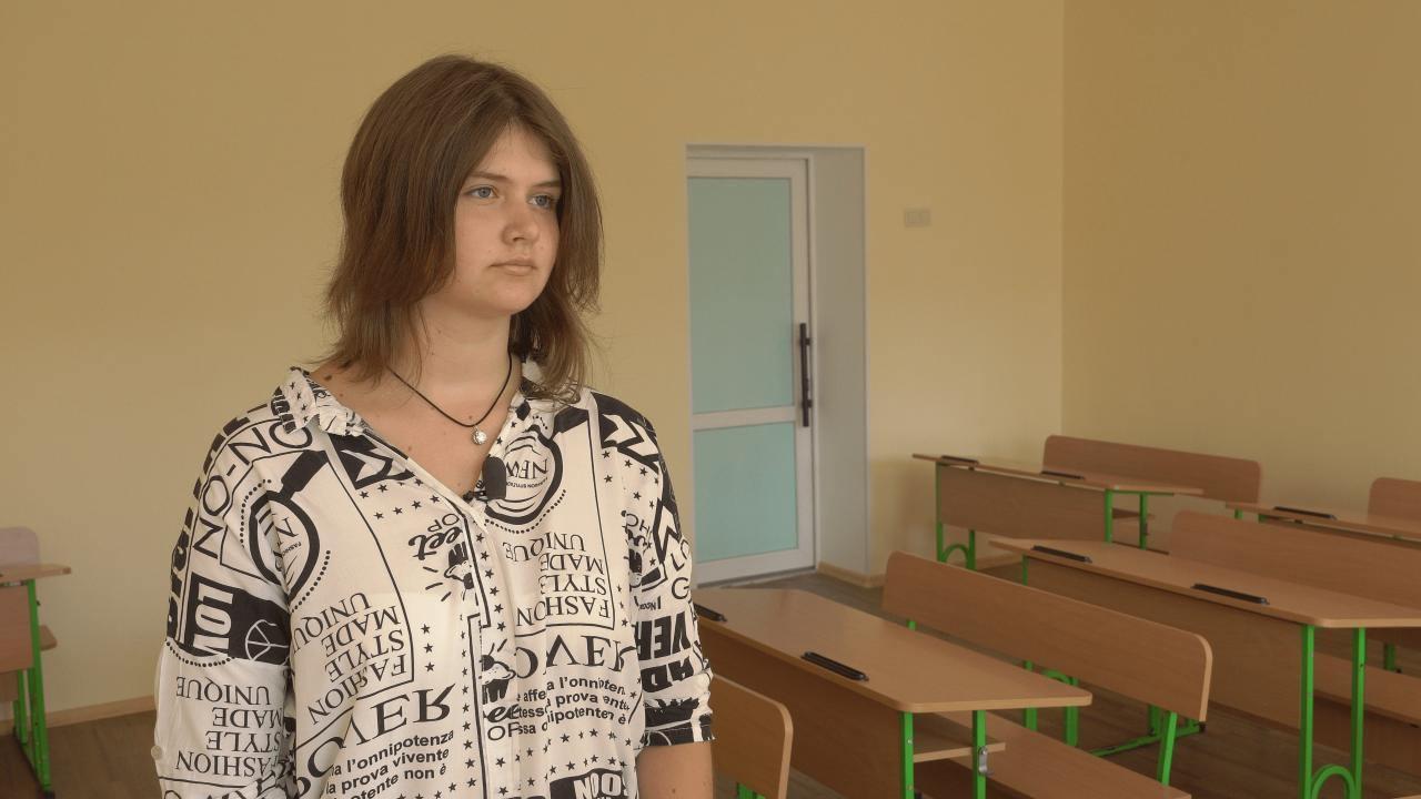 Учениця 11 класу Розсошенської гімназії Владислава Бражник
