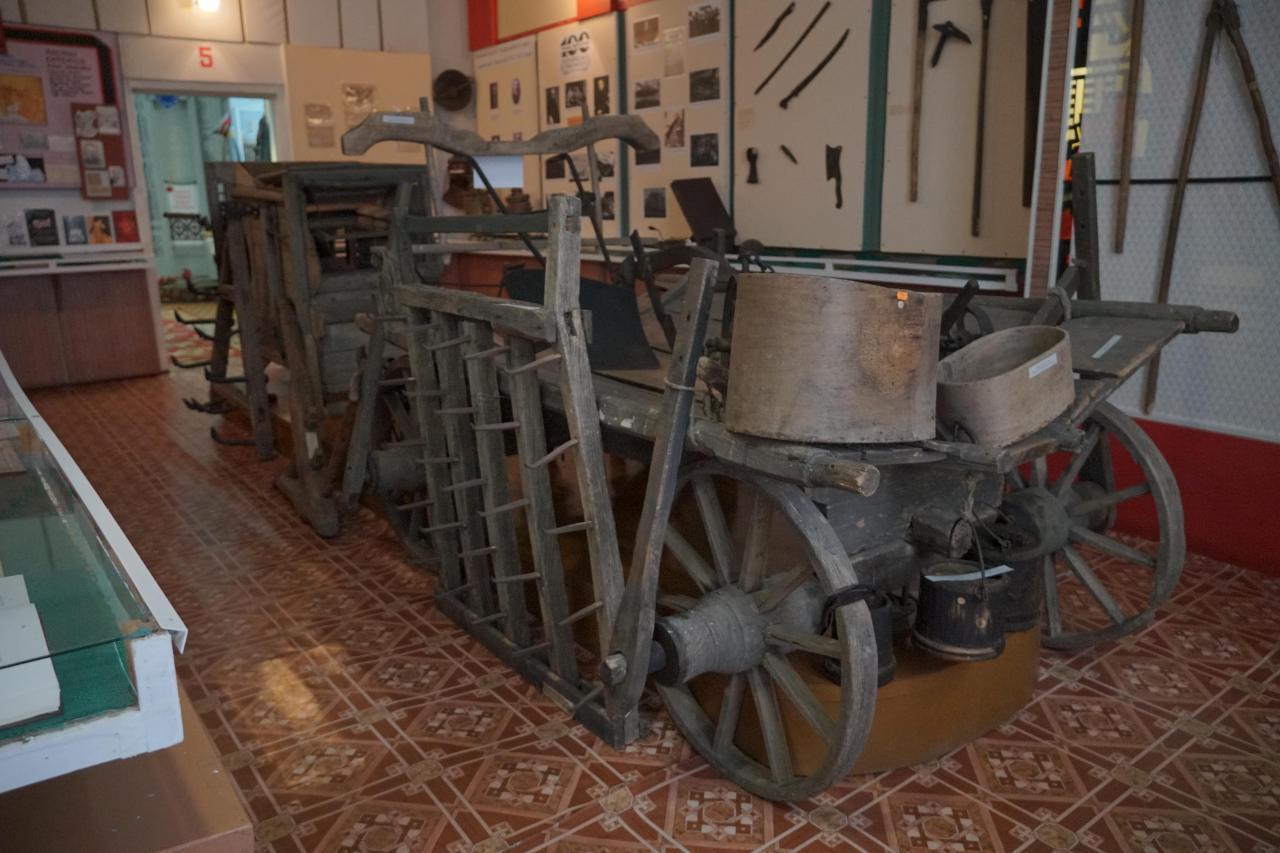 У історичному залі зберігають віз, віялку