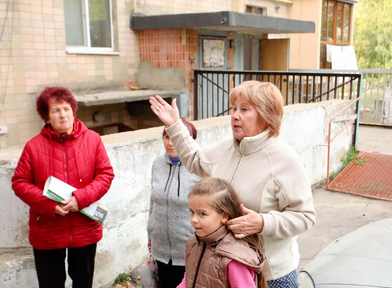 Жителі будинку в Супрунівці на вул. Нафтовиків, 15