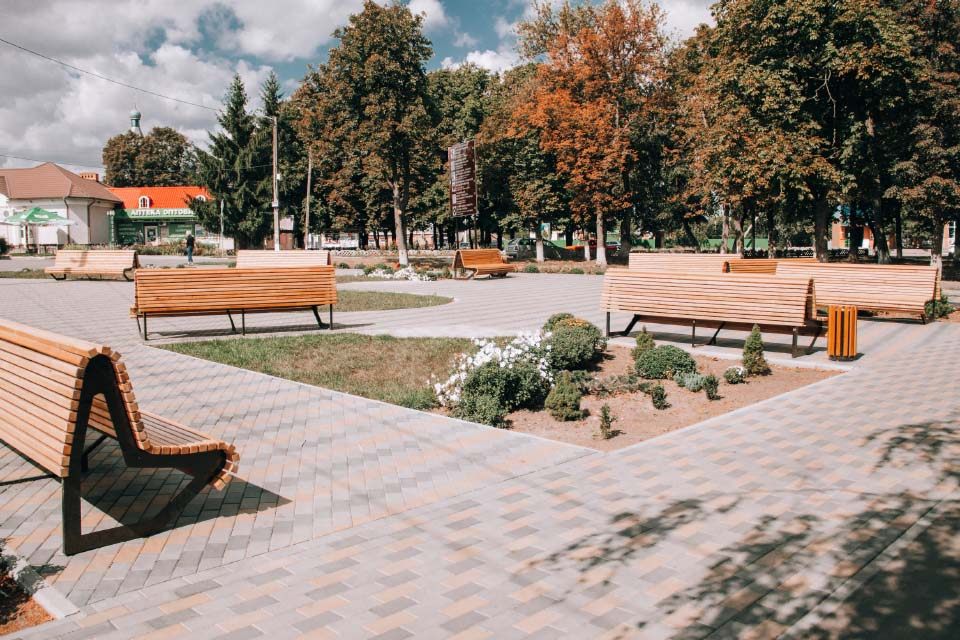 Реконструйований парк в Опішнянській громаді