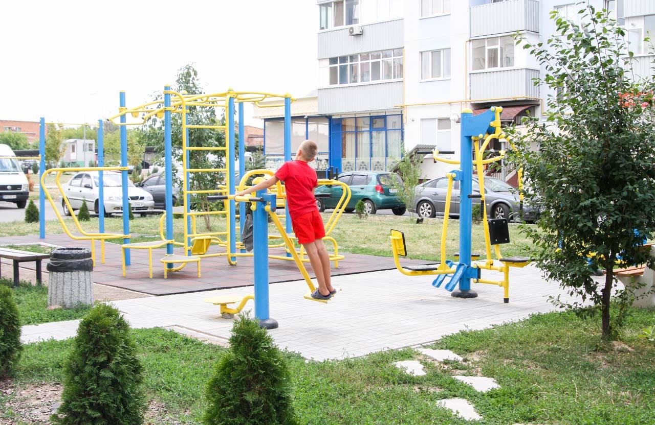 Спортивний майданчик у мікрорайоні «Садовий»