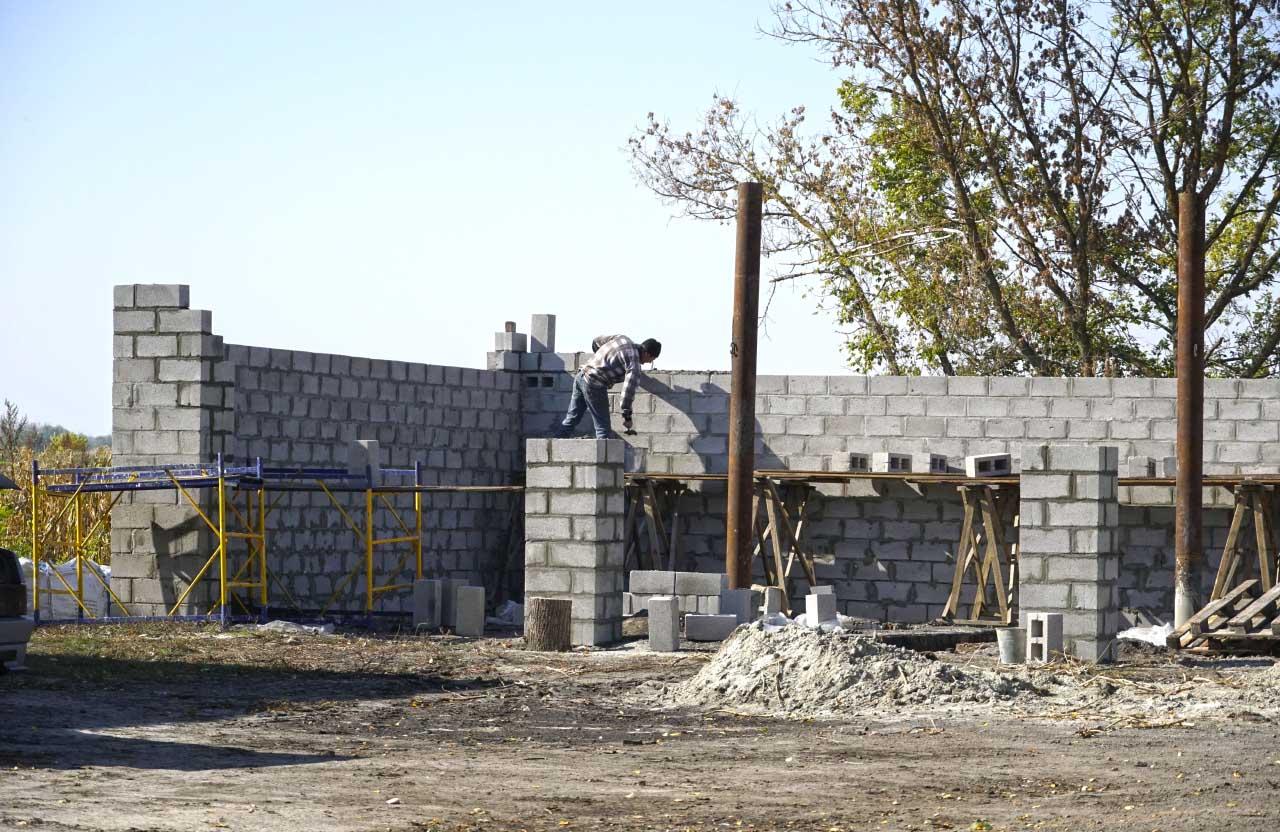 Покладено фундамент майбутнього відділення лікарні та закладені стіни