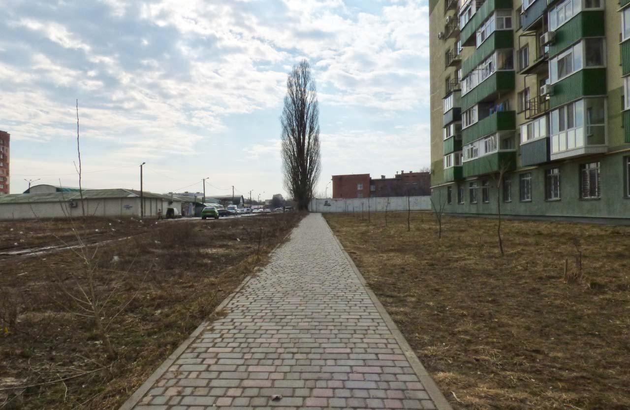 Тротуар вздовж будинку на бульварі Щепотьєва, 3а коштував 157 тис. грн