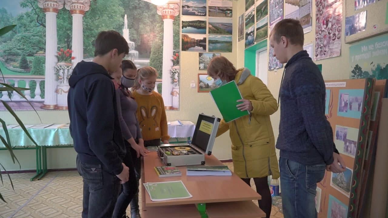 Переможці конкурсу отримали від компанії  «Полтавазернопродукт» кейс майбутніх агрономів