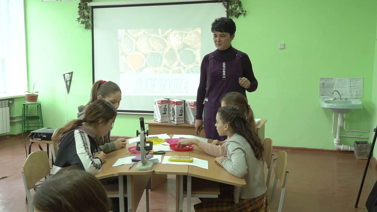 На заняттях діти вивчають аграрні технології
