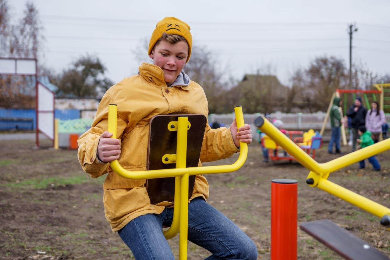 Діти з Кованчика задоволені тренажерами
