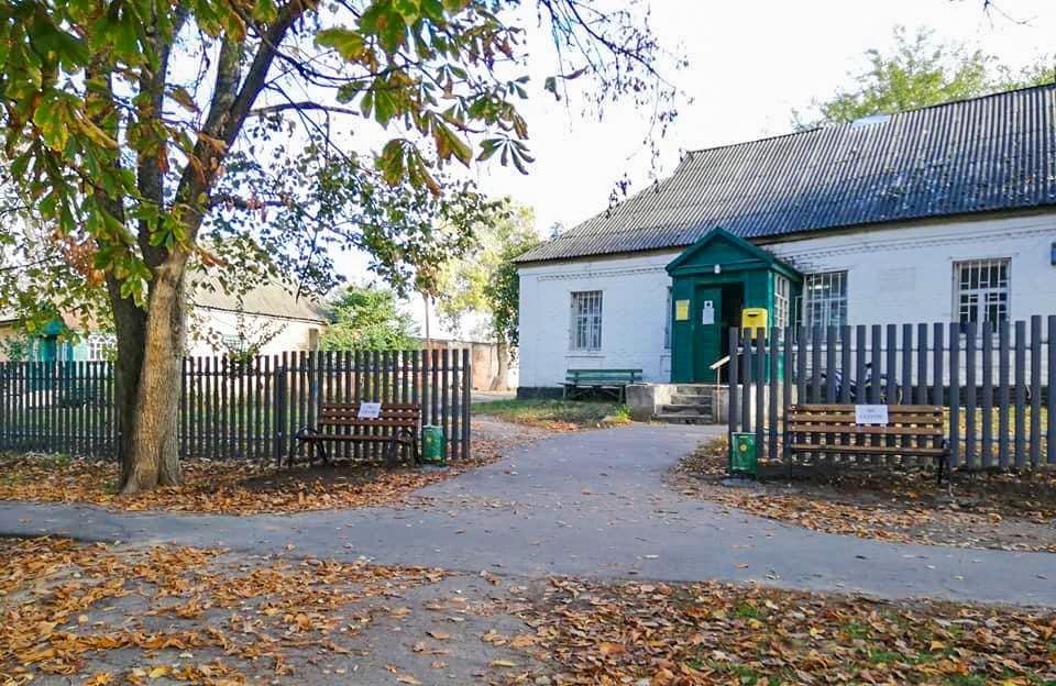 У селі Великі Сорочинці облаштували паркову зону та встановили нові лавки