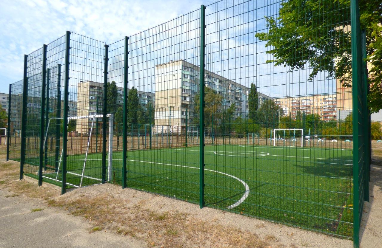 Футбольний майданчик зі штучним покриття ЗОШ № 37