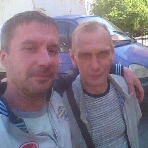 Фото Олександра Сіренка (праворуч) з громадським активістом Андрієм Храмовим