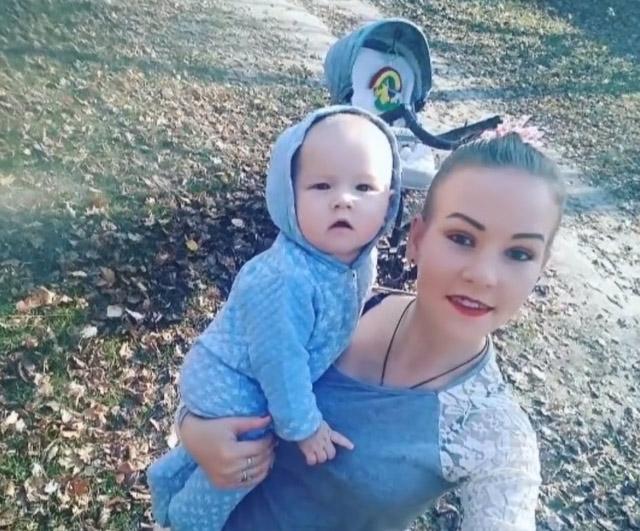 20-річна Тетяна з молодшим сином Артемом