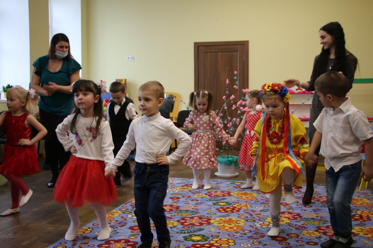 Свято 8 березня у вихованець Степанівському дитсадку «Веселка»