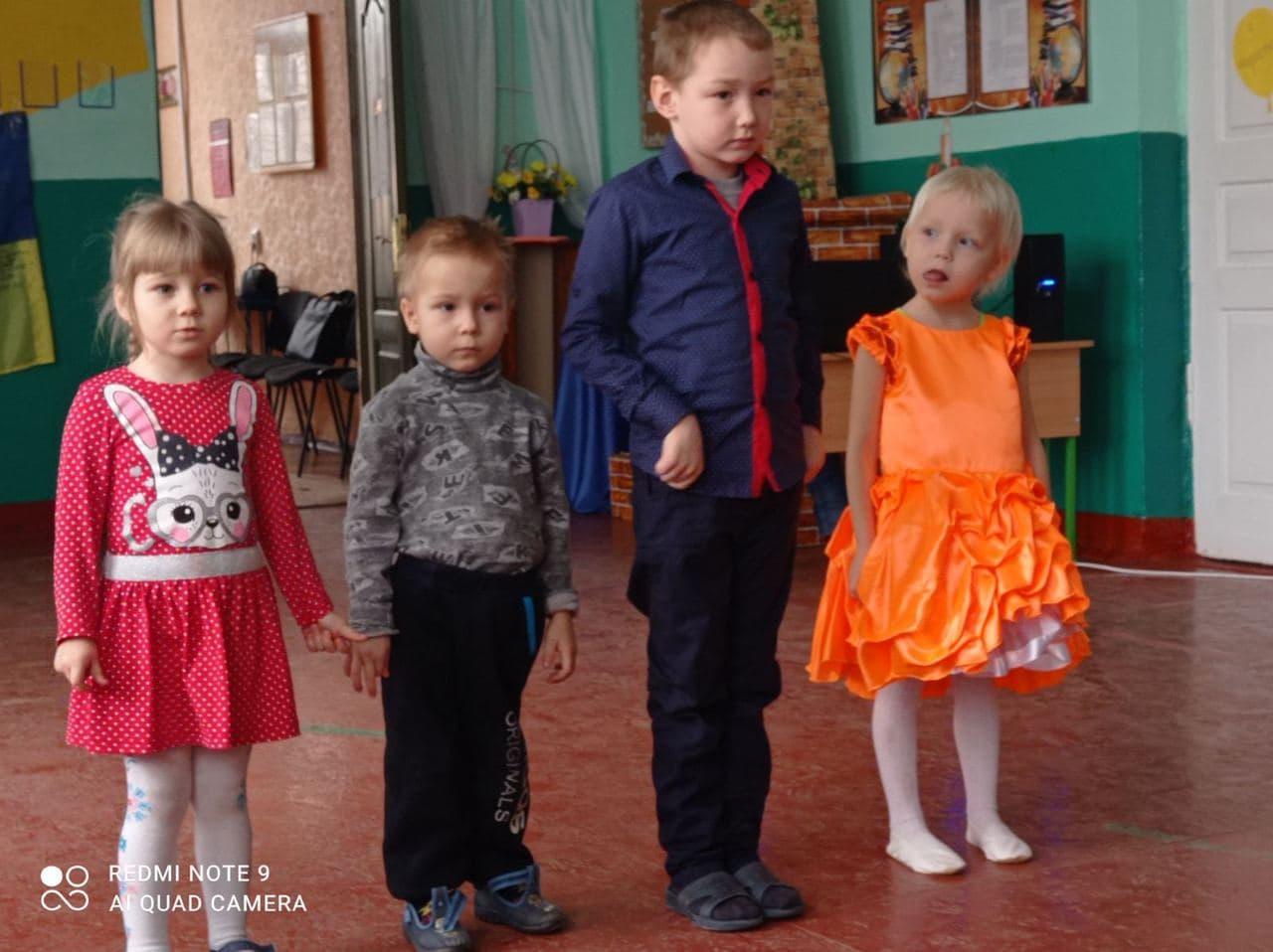 Вихованці  дитсадку у селі Сонячне Старицьківської сільради теж відзначили 8 березня