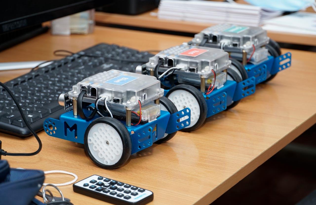 Роботи mBot