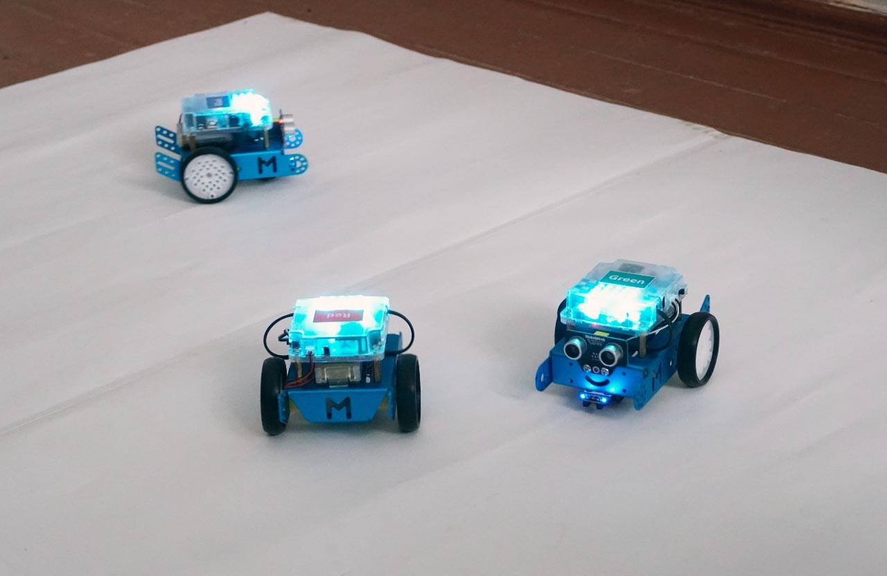 Роботи теж вміють танцювати