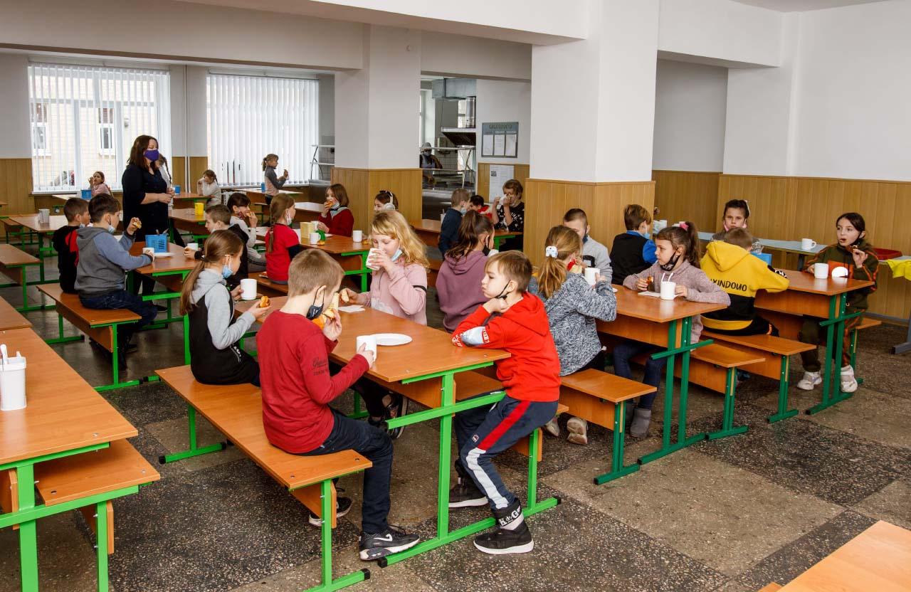 Одним із масштабних проєктів стала реконструкція харчоблоку у Великосорочинській школі