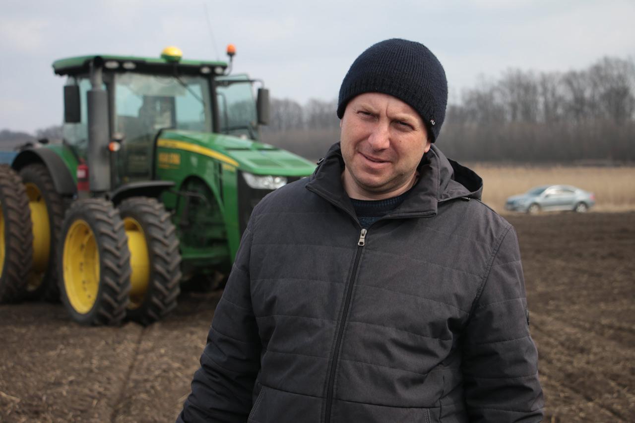 Агроном виробничого підрозділу імені Ватутіна Микола Коваль