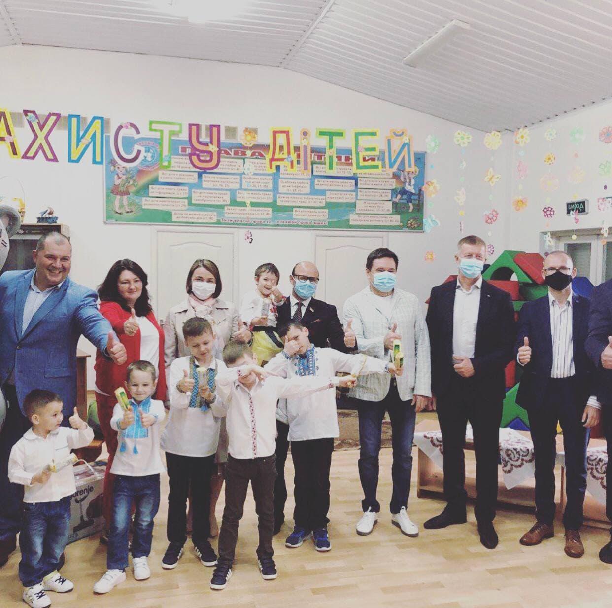 Депутати від «За майбутнє» привітали дітей в Центрі соціально-психологічної реабілітації