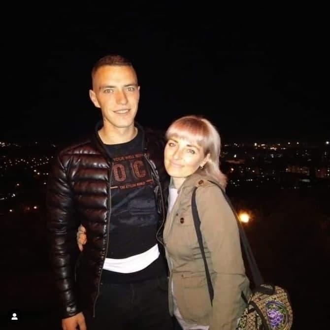 Денис з мамою Світланою