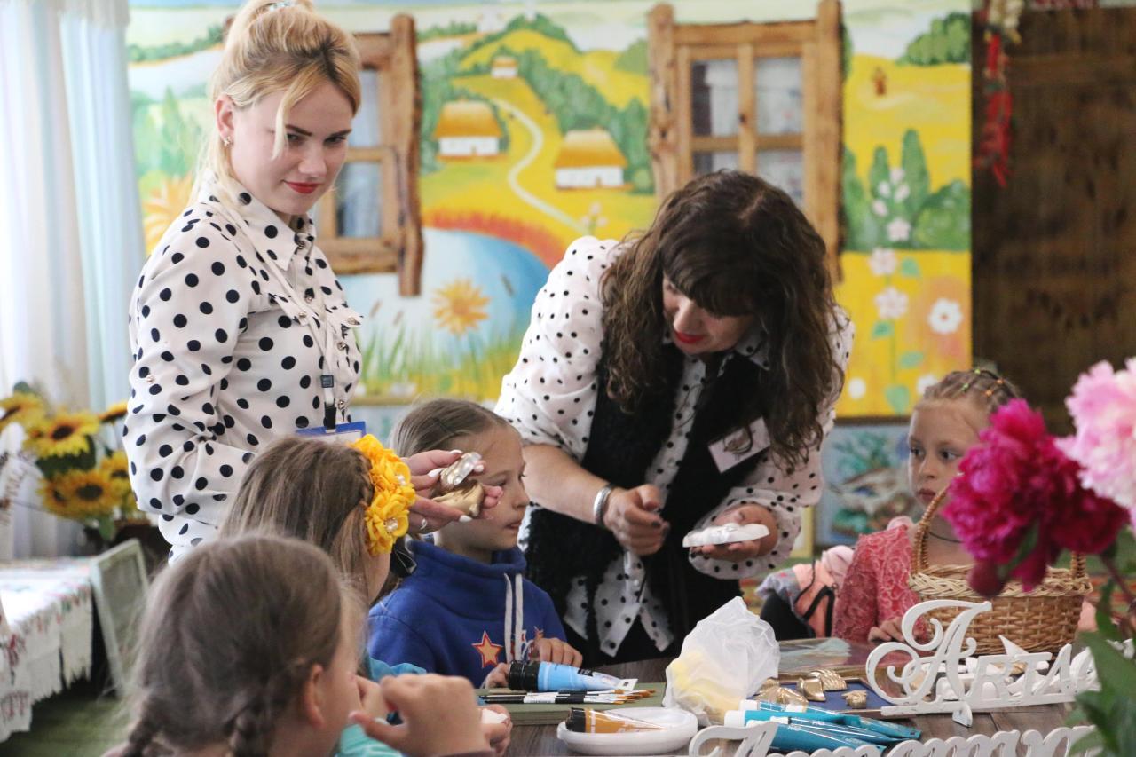 Для школярів  організували художні майстер-класи «Умілі ручки»