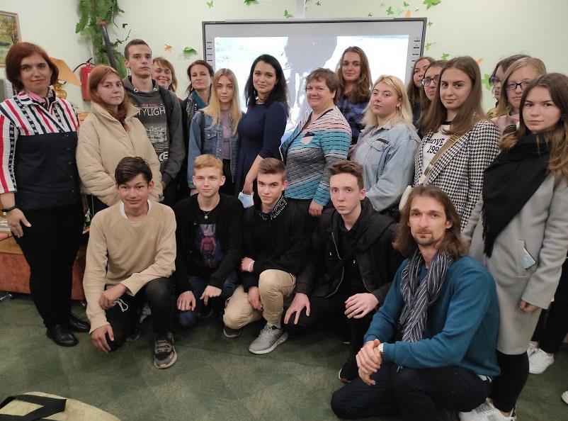 Разом зі студентами факультету журналістики Полтавського національного педагогічного університету