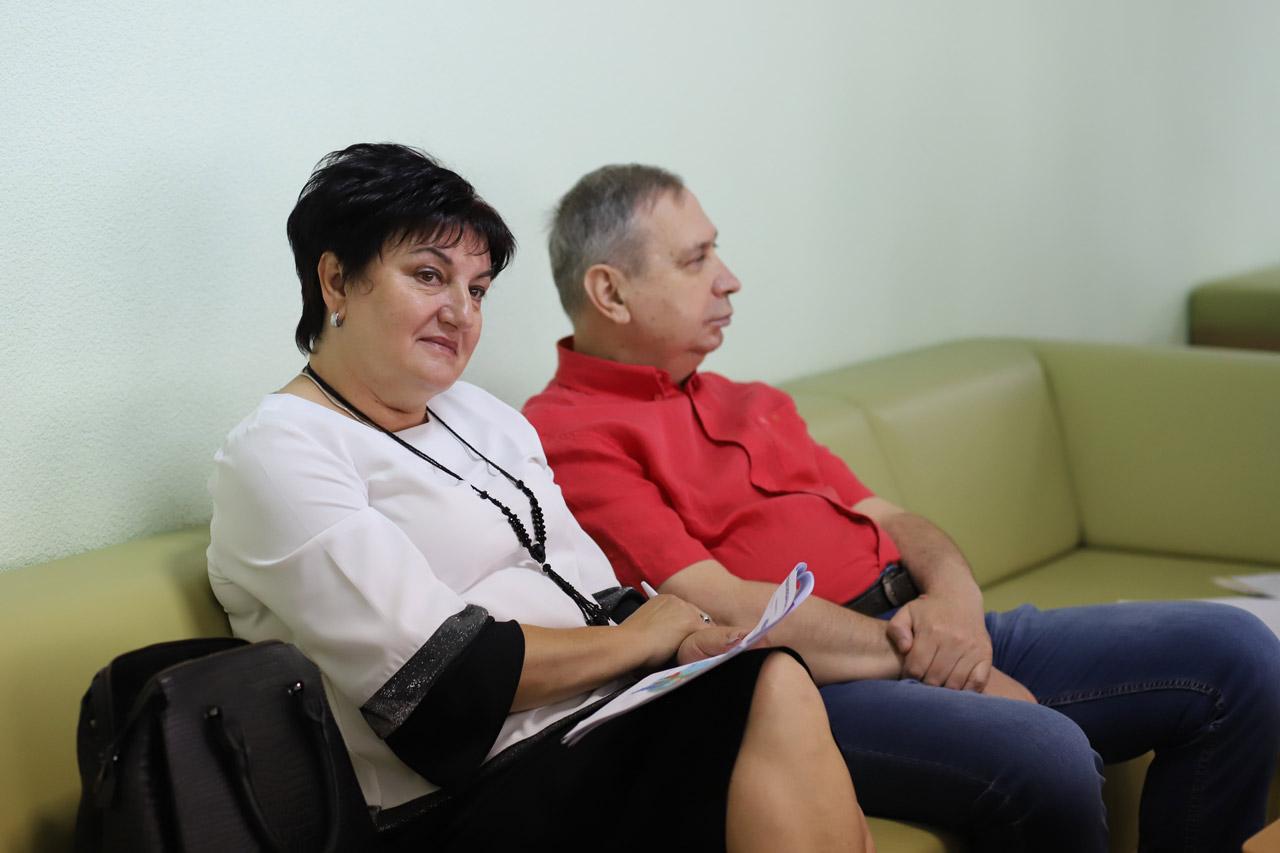 Голова Миргородської райради Наталія Гирка і голова Миргородської громади Сергій Соломаха