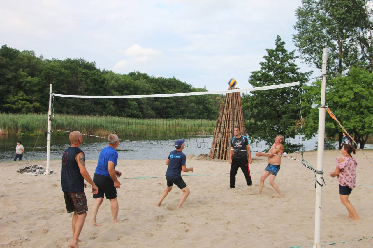 Змагання з пляжного волейболу