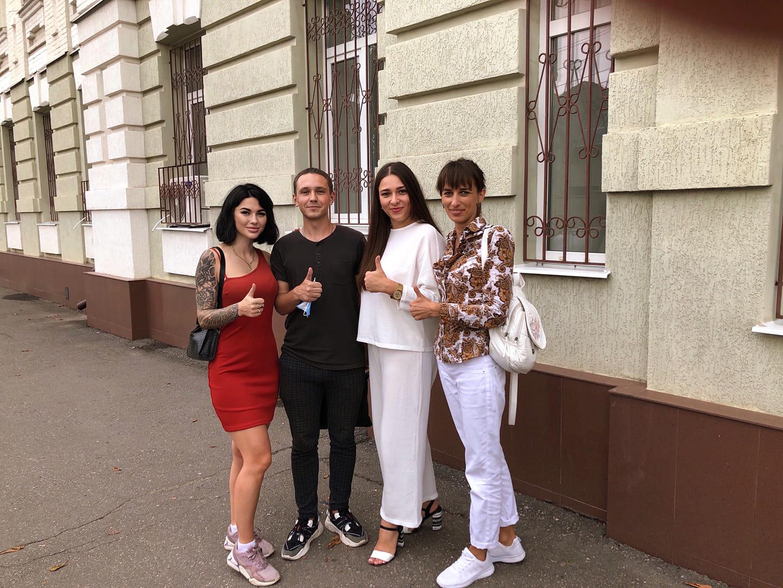 Оксана Корольова-Буцко під стінами Полтавського окружного адмінсуду