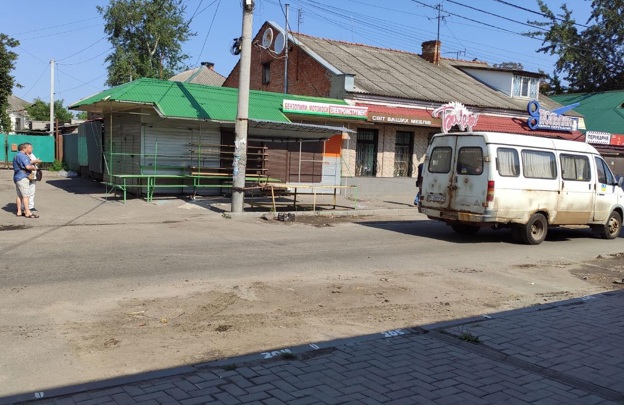ГАЗелі-автолавки звільняють «насиджені» місця