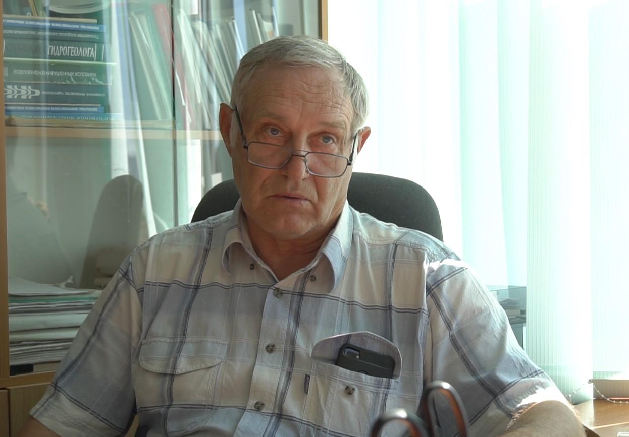 Гідрогеолог, доктор геологічних наук, керівник ТОВ «Лабораторія якості води «Плая» Валерій Яковлєв