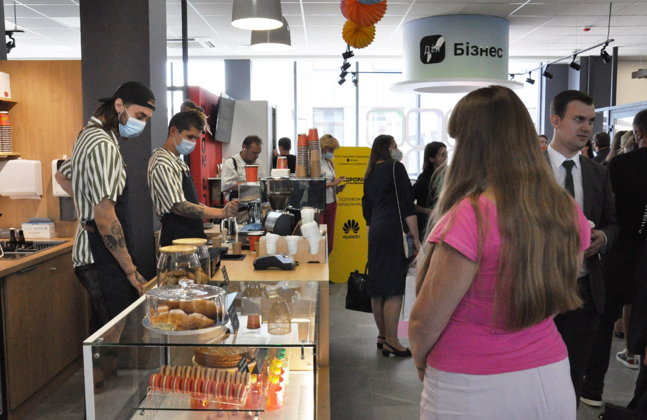 Кафе «Кавун» на 3-му поверсі нової адмінбудівлі