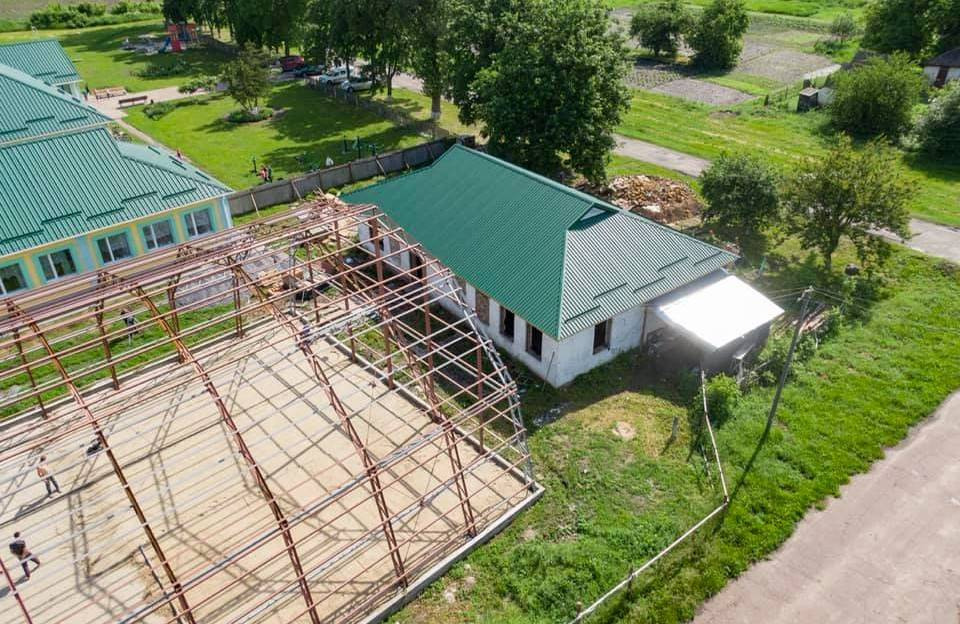 Будівництво спорткомплексу біля школи в Коломацькому: отут і знадобилися рентні кошти