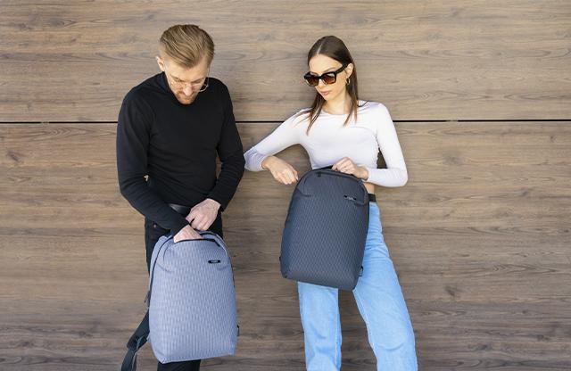 Рюкзак можна комбінувати лише з джинсами чи спортивними образами